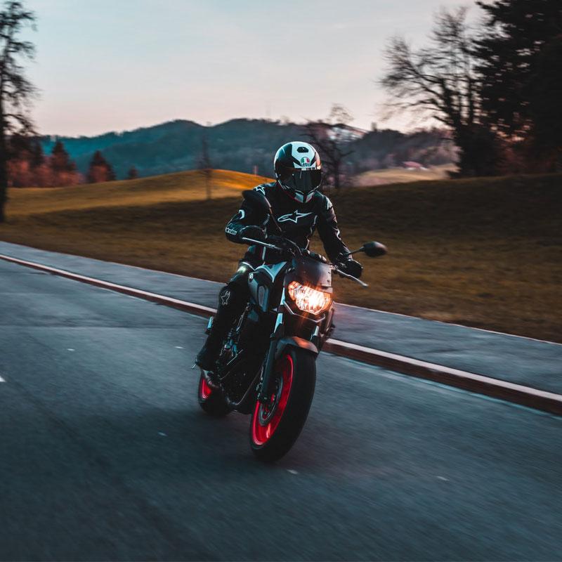 tsilimi asfaleies motosikletes
